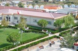Prefabrikkerte kommunal administrasjonsbygning ferdiggjort