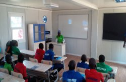Nigeria mobil klasserom & skoleprosjekt